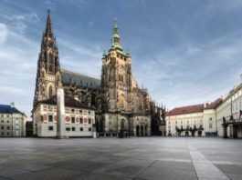 Domenica giornata porte aperte al Castello di Praga