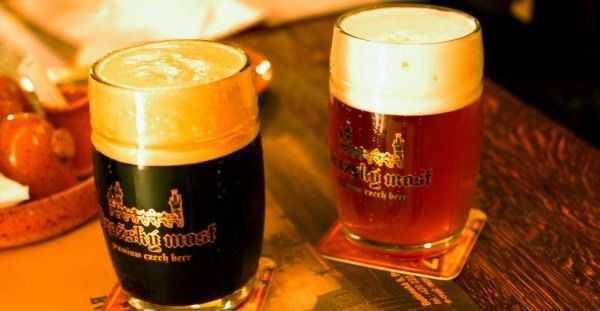 Come comportarsi al pub e in birreria   Norme di comportamento a Praga e in Repubblica Ceca