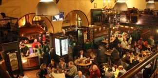 Come comportarsi al ristorante | Norme di comportamento a Praga e in Repubblica Ceca