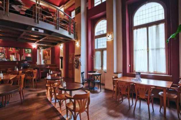 Il Globe Bookstore & Café di Praga: la prima libreria - café della capitale ceca