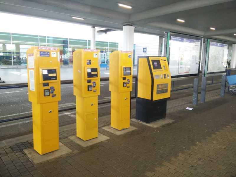 pagamento carta di credito biglietti mezzi pubblici praga aeroporto