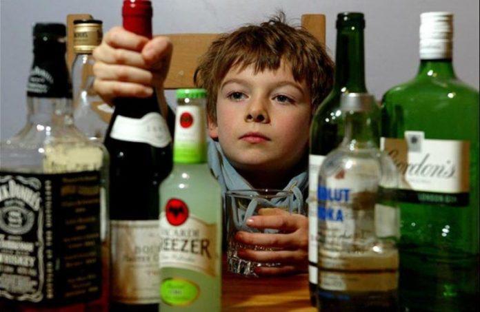 La nuova legge antifumo ceca rende l'alcol legale per i minori