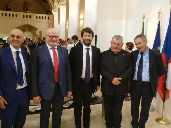 Praga: ministro Franceschini a Praga, cultura base della diplomazia