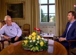 """Presidente Repubblica Ceca: """"Le donne dovrebbero coprirsi in base alla loro taglia!"""""""