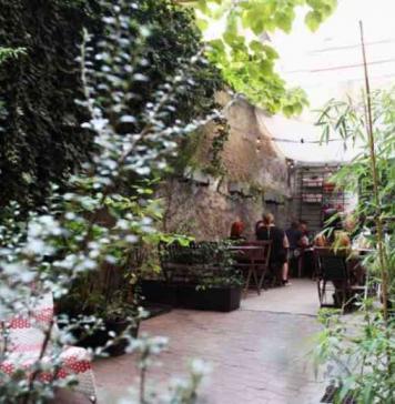 Relax estivo: ecco i migliori caffé con giardino di Praga