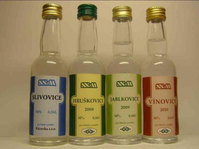 Tipici liquori: Slivovice, Hruškovice, Jablkovice e Vínovice