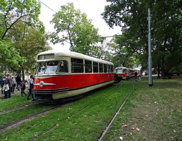 Tram T2