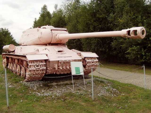 The famous pink IS-2, formerly tank No.23, located at the entrance to the museum in Lešany.